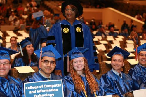 Photo of SPC President Tonjua Williams and Fall 2017 graduates